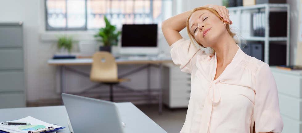 Rücken im Büro und Arbeitsplatz schonen ist wichtig