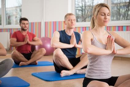 Yoga kann bei der Vermeidung von Rückenschmerzen zuträglich sein!
