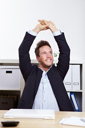Dynamisches Sitzen kann helfen, Rückenschmerzen zu vermeiden!