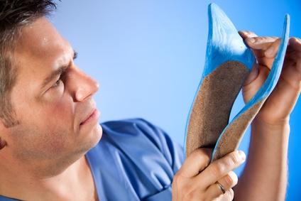 Rückenschmerzen durch Schuheinlagen vorbeugen?