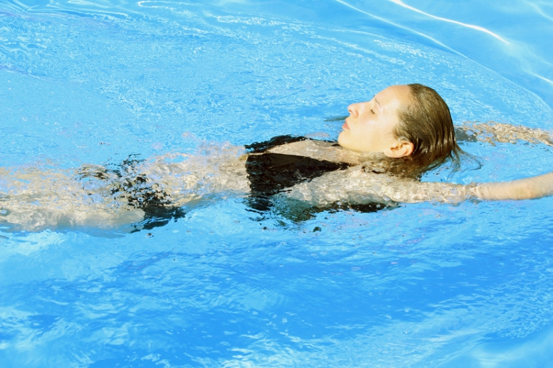 Schwimmen gegen Rückenbeschwerden